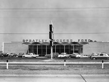 1962 Ford dealership w/ Galaxy 500 390 Sitting in front 5 x 7 Photograph