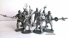 NEW!  Medieval Knights, 7 plastic toy soldiers1:32 60mm