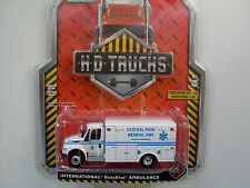 "International Durastar Box Van ""Ambulance"", Greenlight 1:64 limited Edition"