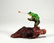 FLY CATCHING FROG Statue New direct from JOHN PERRY 5in tall Sculpture Figurine