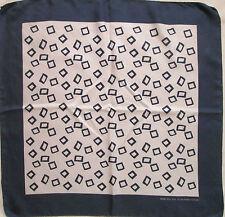 -Superbe Foulard  tour de cou  HUGO BOSS   100% soie  (T)BEG  vintage scarf 2001