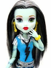 Monster High-Frankie Stein-Muñeco Articulado-Fashions-ropa-zapatos