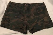 Women's Guess Army Green Camouflage Camo Cargo Short Shorts Stretch Small 26