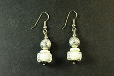 LADIES UNIQUE BOLD WHITE/SILVER/CLEAR BEADED DROP FASHION EARRINGS (ZX2)