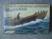 Dragon 1/35 Wehrmacht Sturmboot with Pionier Boatswain