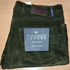 MENS M&S BLUE HARBOUR LUXURY SOFT TOUCH CORD JEANS TAPERED LEG SIZE W48 L35 GRN
