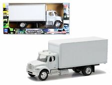 NEW RAY 1:43 FREIGHTLINER M2 BOX ALL WHITE Semi-Trucks
