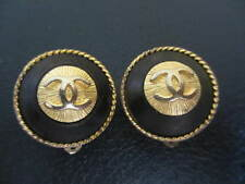 Authentic CHANEL CC clip earrings (black-gold)