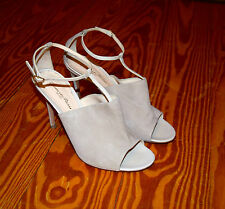 Gianvito Rossi Nude Beige Suede Open Toe T-Strap Sandals Sz 9 Worn Once $790