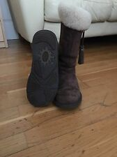 UGG Size 5.5 Boots Woman