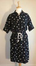 Liz Claiborne Dresses Black/White Hidden Front Button Dress Stretchy Waist Sz 10