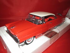 Sun Star  4651  (1956)  Lincoln Premiere Hard Top (rot/weiß) 1:18  OVP