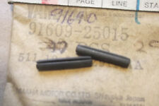 YAMAHA XS650  TX650  GENUINE  NOS  SIDE COVER KNOB  SPRING PINS - # 91609-25015