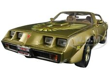 1979 PONTIAC FIREBIRD TRANS AM GOLD 1:18 DIECAST CAR BY ROAD SIGNATURE 92378