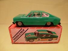VEB PLASTICART PLASTIC - SKODA S110 R - GREEN 1:30 - GOOD IN BOX