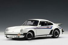 PORSCHE 911 930 Turbo 3.0 WHITE BIANCO MARTINI 1976 AA Autoart 1:18