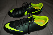 NIKE MERCURIAL OUTDOOR SOCCER CLEATS, MINT CONDITION, SIZE 6Y