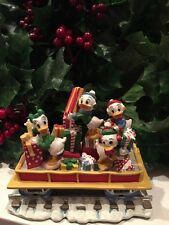 DISNEY Daisy Huey Dewey & Louie ready For Christmas Train Village Figure RARE