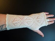 Elegant cashmere blend lace wrist warmers/fingerless gloves.  col. Cream