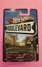 HOTWHEELS-Boulevard-Triumph-TR6-Legends-2011-Real-Riders-Metal-Diecast-Cars-TOY