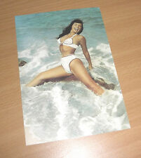 BETTIE PAGE  Queen of Burlesque Erotik Postcard Akt NUDE Beach Bikini Busen RAR