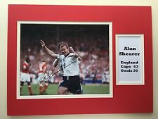 "ENGLAND FOOTBALL ALAN SHEARER SIGNED 16""X12"" DOUBLE MOUNTED PICTURE DISPLAY"