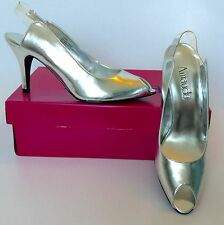 Amanda ~ Silver Metallic Wedding/ Dress Shoes ~ New in original box ~ Size: 7.5W