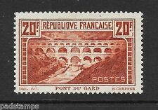 FRANCE 1929 20fr Pont du Gard perf 13½ vf MINT hinged SG 475 Cat £400