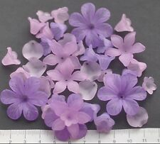 40 x mix of lucite/plastic beads 12/30 mm 20 gms.  LILAC FLOWERS. Pack 35