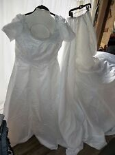 Alfred Angelo Women's Size 14/16 Dress w/ Headpiece, Attached Crinoline & Detach