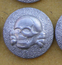Reproduction Early Elite Overseas Cap Skull Button Insignia