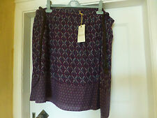 BNWT MARKS & SPENCER INDIGO UNLINED PULL ON BURGUNDY SKIRT WITH BELT SIZE 22