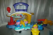 Fisher Price LITTLE PEOPLE LOT Airport, air plane 4 People