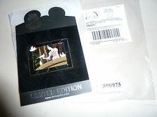 DisneyShopping.com Stained Glass Snow White in Rags Balcony Doves LE 250 Pin DLR