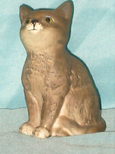 "VINTAGE BESWICK SITTING CAT WITH OLD FISH BESWICK STAMP 4"" TALL PERFECT CONDITIO"