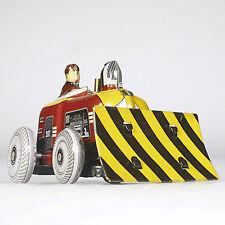 Lot 2036 kleiner Traktor mit Planierschild, Blechspielzeug mit Federwerk, 7 cm