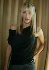 Daryl Hannah UNSIGNED photo - B1626 - SEXY!!!!!