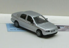 0419: Ford Mondeo  Limousine.,  silber met.