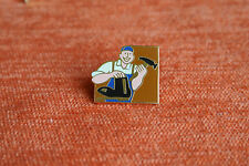 04695 PIN'S PINS METIER CORDONNIER BUSINESS SHOEMAKER