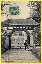 cpa 28 - CHERISY (Eure et Loir) Entrée du CHÂTEAU de FERMAINCOURT Animée Chiens