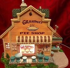 LEMAX Christmas Village GRANDMA'S PIE SHOP Lighted House HARVEST CROSSING in Box