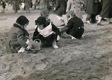 PARIS c. 1950 - Enfant Jeux Jardin Public - P 467