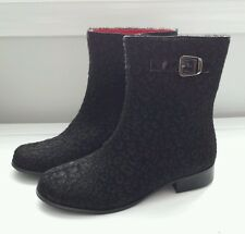 Girls size 4 youth 4Y Lamour black leopard boots  winter boutique zip up New