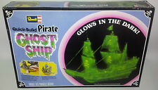MARITIME : QUICK BUILD PIRATE GHOST SHIP MADE IN 1978 BY REVELL  (MLFP)