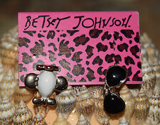 BETSEY JOHNSON UNIQUE MISMATCH SUNGLASSES & AIRPLANE EARRINGS GOLDTONE