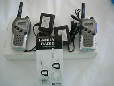 UN-WIRED UFR-670-2  2/Two Way Radio Walkie Talkie + Clip+Battery+Charger