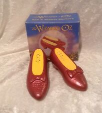 Wizard of Oz-1997 Warner Brothers Dorothy Ruby Red Slippers Salt & Pepper Shaker