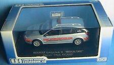 RENAULT LAGUNA II 1.9 DCI MEDICAL CARE PAUL RICARD 1/43 UNIVERSAL HOBBIES