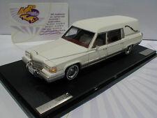 GLM 43100302 # Cadillac Eureka Concours Hearse Leichenwagen Bj. 1991 weiß 1:43