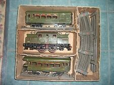 Ives Prewar Green Train Set  #700:    #3241, #184, and #186
